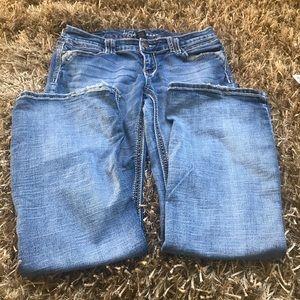 Ariya low rise jeans.  Size 9/10